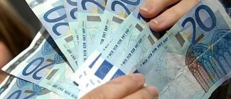 Payer en espèce interdit au-delà de 1.000 euros